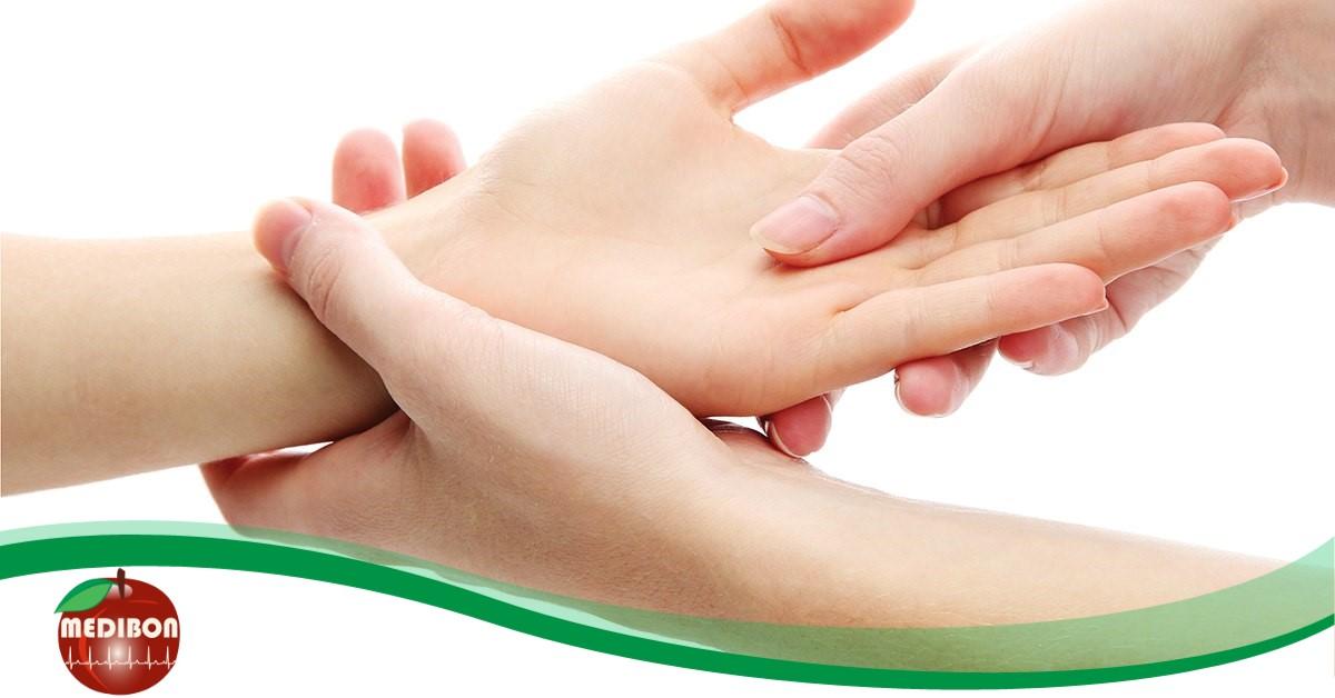 ízületi fájdalom remegő kezek)